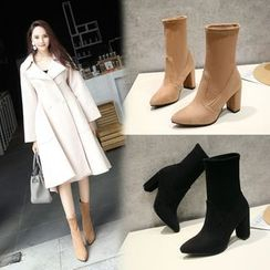 Shoes Galore(シューズガロア) - Chunky Heel Pointed Short Boots