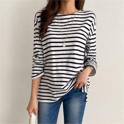PIPPIN - Drop-Shoulder Stripe T-Shirt