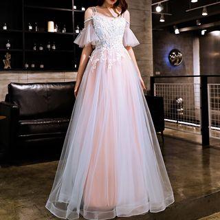 Sennyo - Cold Shoulder Flutter Sleeve Lace Panel V-Neck Evening Gown