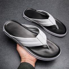 MARTUCCI - Faux Leather Flip-Flops