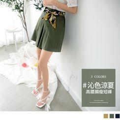 OrangeBear - Printed Tie-Waist Wide-Leg Shorts