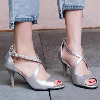 Aegina - Cross Strap Kitten-Heel Sandals