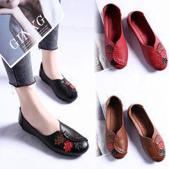 杨董 - 仿皮刺绣平跟鞋