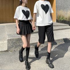 Azure(アズール) - Couple Matching Heart Print T-Shirt / Plain Shorts / Pleated Mini A-Line Skirt