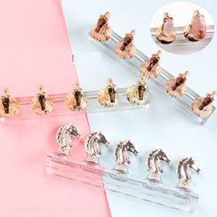 Monoe - Metallic Horse Magnetic Nail Art Display