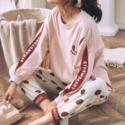Jeony - Pajama Set: Strawberry Print Long-Sleeve Top + Pants