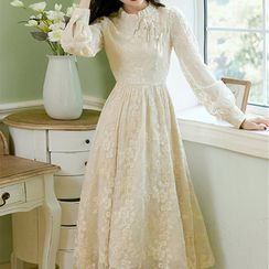 French Village - Long-Sleeve Floral Lace Midi Qipao Dress
