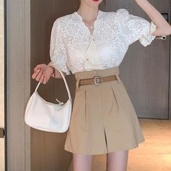 Aicacia - Set: Short-Sleeve V-Neck Blouse + Shorts