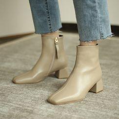 Comof - Square-Toe Block Heel Short Boots