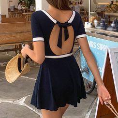 Valtameri - Set: Short-Sleeve Open-Back Swimsuit + Cover-Up Skirt