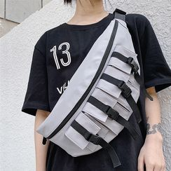 SUNMAN - Buckled Waist Bag