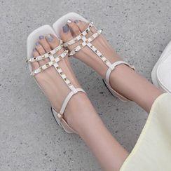 Freesia - 铆钉T字带粗跟凉鞋