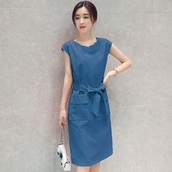 Ilda - Plain Sleeveless A-Line Midi Dress
