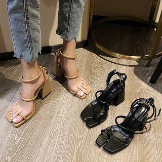 KICKOFF - 粗跟多带凉鞋