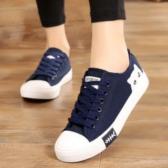Ordinate Shoes - Cat Print Lace-Up Sneakers