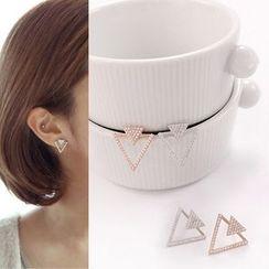 Joodii - Triangle Stud Earring / Clip-On Earring