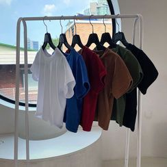 chuu(チュー) - Tight-Fit Crop T-Shirt