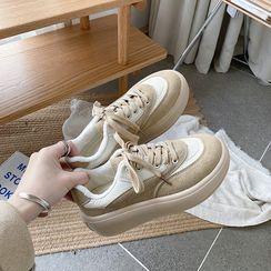 時尚麥樂 - 厚底繫帶休閒鞋