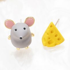 Cv Plus Design - Non-matching Mouse & Cheese Earring
