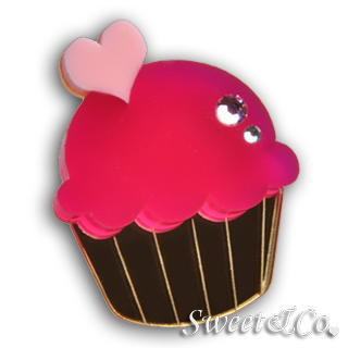 Sweet & Co. - Mini Fuchsia Cupcake Crystal Gold Ring (M)