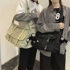 EAVALURE(イーヴァルア) - Nylon Crossbody Bag