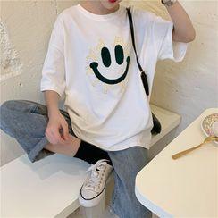 Honey River - Short-Sleeve Smiley Face Print T-Shirt