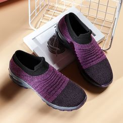 MINIKA - Laceless Athletic Sneakers
