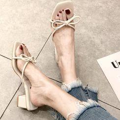 Classique - Block Heel Strappy Bow Mules