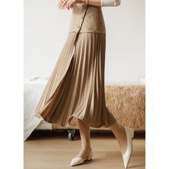 Styleonme - Pleated-Panel Long Wrap Skirt