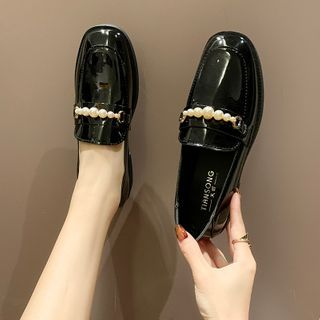 Novice - Faux Pearl Loafers