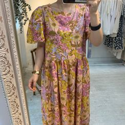 Windcatcher - Flower Print Short-Sleeve Maxi Shift Dress