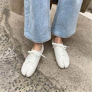 MONOBARBI - Cloven-Toe Canvas Sneakers