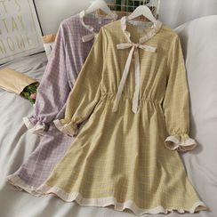 Lemongrass - 木耳邊蝴蝶結系帶拼色格紋連衣裙