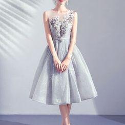 Fioridi - Floral Appliqued Sleeveless Midi Prom Dress