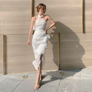 Melekok - Halter-Neck Ruffled Midi Sheath Dress