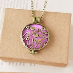 Nisen - Cutout Flower Aromatherapy Locket Necklace