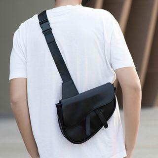 ETONWEAG - Faux Leather Saddle Crossbody Bag