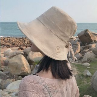 FROME - Smiley Face Embroidered Bucket Hat