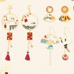 Cv Plus Design - Non-matching Alloy Dangle Earring (various designs)