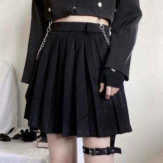 Chisan - Plain Pleated Mini Skirt with Thigh Harness Belt