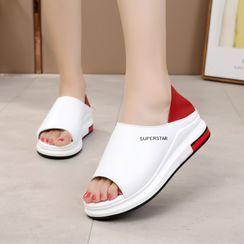 Aneka - 字母露趾厚底鞋