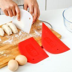 Maltjoy Home - Plastic Dough Scraper