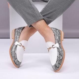 Taragan - 蛇印花粗跟乐福鞋