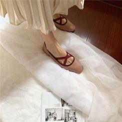 Chicli - 交错带平跟鞋
