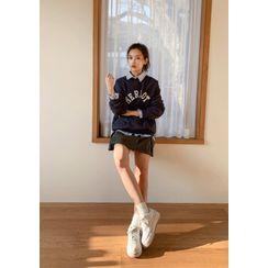 chuu - 'MERLOT' Letter Appliqué Sweatshirt