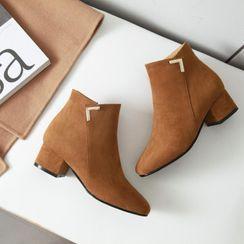 Comof - Block Heel Ankle Boots