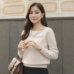 CLICK - Piped Fold-Collar Knit Top