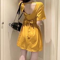 Brooklane - 短袖露背A字連衣裙