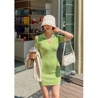 chuu - Collared Knit Bodycon Dress