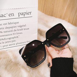 MOL Girl - Square Oversized Sunglasses